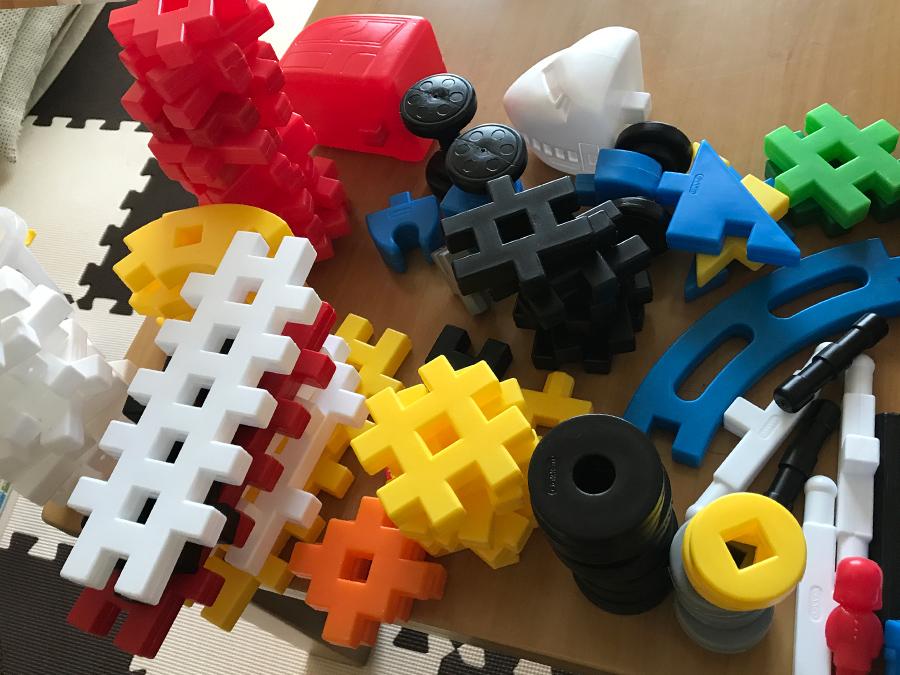 ニューブロックにはたくさんの形状のパーツがある
